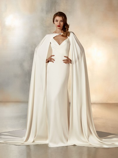 Pronovias Ivory Cream Crepe Moonlight Sexy Wedding Dress Size 6 (S) Image 10