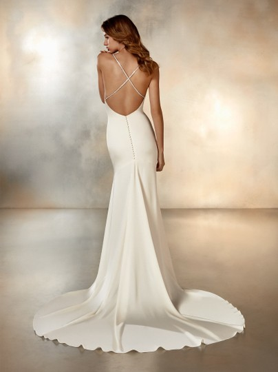 Pronovias Ivory Cream Crepe Moonlight Sexy Wedding Dress Size 6 (S) Image 9