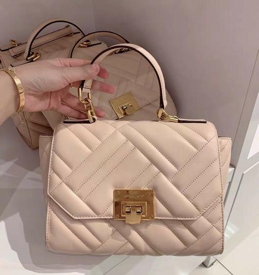 Michael Kors Satchel in pink Image 1