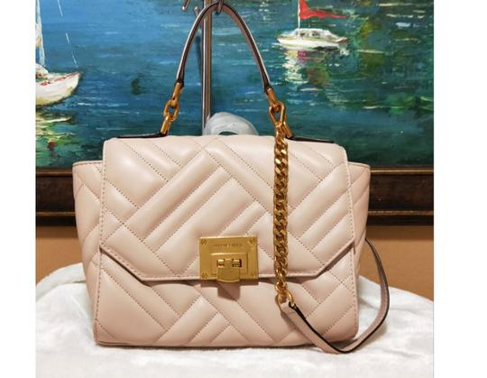 Michael Kors Satchel in pink Image 10