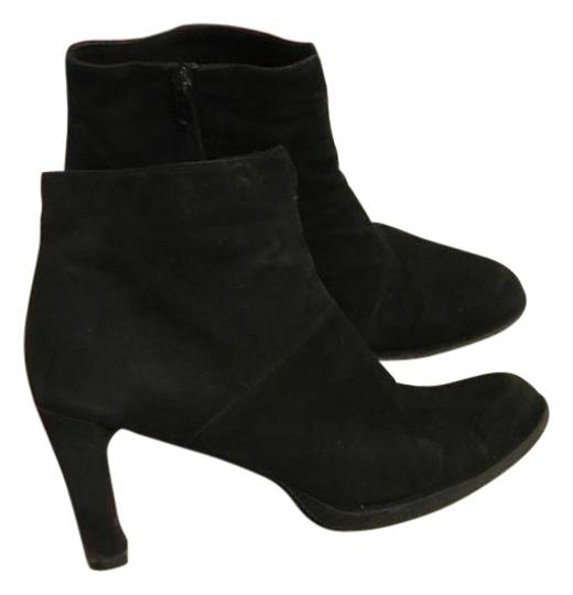 Preload https://img-static.tradesy.com/item/25795130/stuart-weitzman-black-women-s-suede-ankle-bootsbooties-size-us-9-regular-m-b-0-1-540-540.jpg