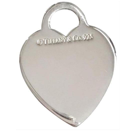 Preload https://item5.tradesy.com/images/tiffany-and-co-great-condition-heart-charm-25795584-0-4.jpg?width=440&height=440