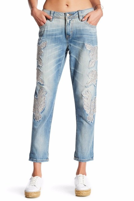 Item - Blue Light Wash Embroidered Ankle Boyfriend Cut Jeans Size 27 (4, S)