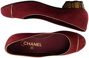 Chanel soft red Flats