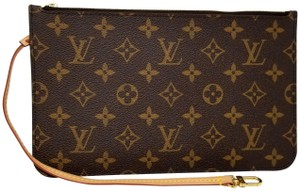 Louis Vuitton Pochette Neverfull Pouch Cosmetic Red Interior Wristlet in Brown