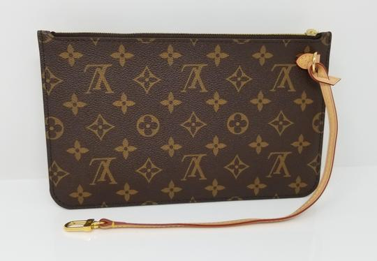 Louis Vuitton Pochette Neverfull Pouch Cosmetic Red Interior Wristlet in Brown Image 2