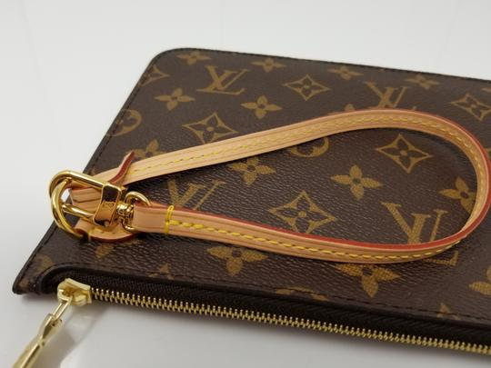 Louis Vuitton Pochette Neverfull Pouch Cosmetic Red Interior Wristlet in Brown Image 3