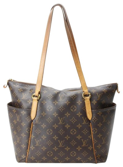 Preload https://img-static.tradesy.com/item/25801996/louis-vuitton-totally-pm-brown-mongoram-shoulder-bag-0-1-540-540.jpg