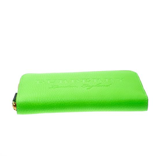 Burberry Bright Green Leather Zip Around Wallet Image 3