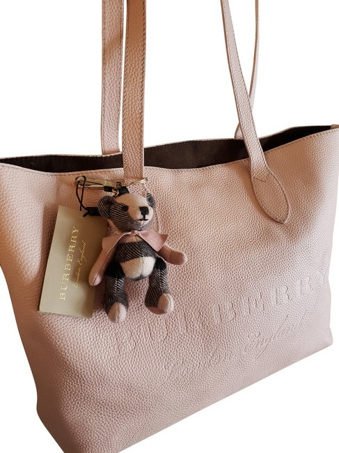 Item - W Large Remington W/Burberry Bear Charm/Key Chain Pale Ash Rose/Pink Soft Leather Tote