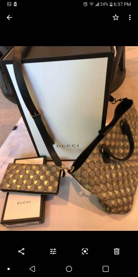 Preload https://item2.tradesy.com/images/gucci-gg-bag-supreme-bees-and-wallet-set-tote-25809271-0-0.jpg?width=440&height=440