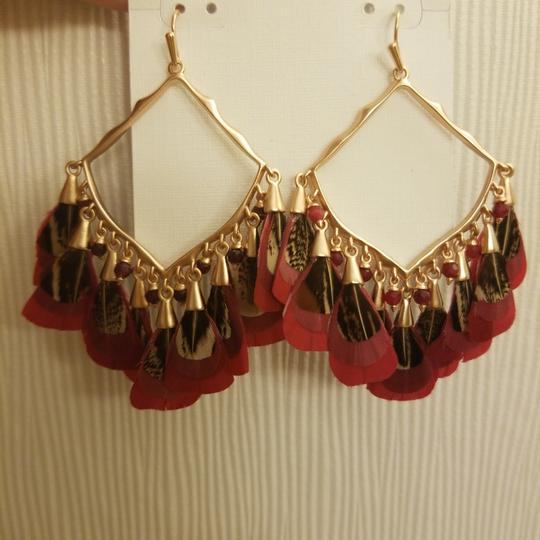 Kendra Scott Kendra Scott Maroon Rose Gold Raven Feather Earrings Image 3