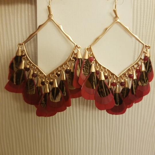 Kendra Scott Kendra Scott Maroon Rose Gold Raven Feather Earrings Image 4
