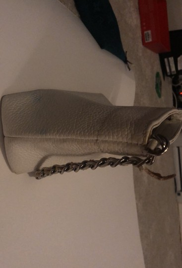 Chanel white Clutch Image 2
