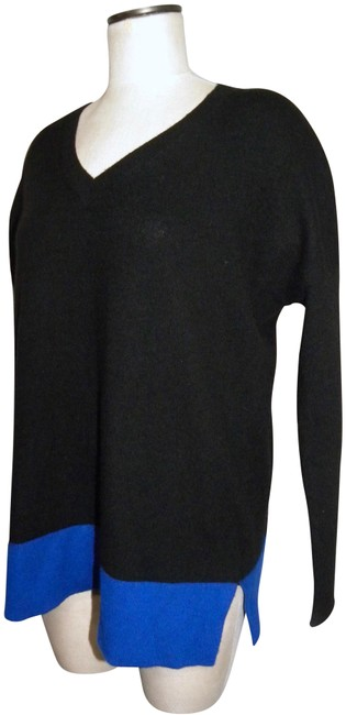 Preload https://img-static.tradesy.com/item/25809486/bloomingdale-s-cashmere-v-neck-tunic-and-black-and-royal-blue-sweater-0-2-650-650.jpg