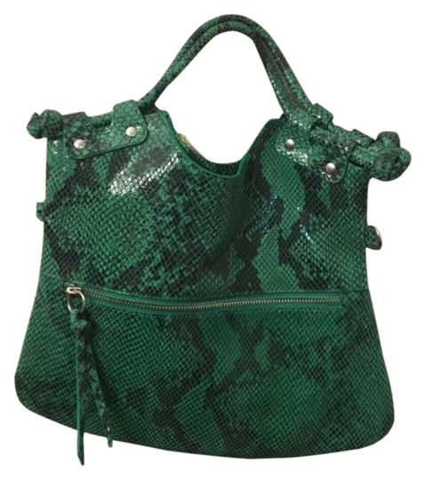 Preload https://img-static.tradesy.com/item/25809591/pietro-alessandro-clutch-convertible-clutchcrossbody-green-black-leather-cross-body-bag-0-1-540-540.jpg