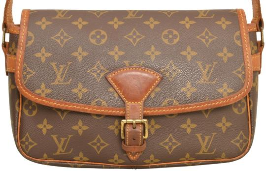 Preload https://img-static.tradesy.com/item/25809805/louis-vuitton-shoulder-solange-m42250-brown-monogram-cross-body-bag-0-2-540-540.jpg