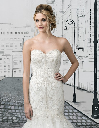 Preload https://img-static.tradesy.com/item/25813283/justin-alexander-ivorysilver-tulle-8896-feminine-wedding-dress-size-2-xs-0-1-540-540.jpg