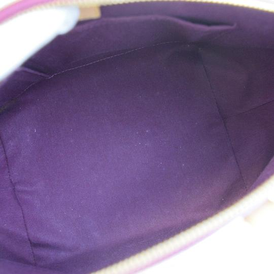 Louis Vuitton Tote in Violet Image 7