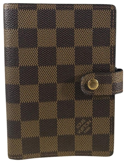 Preload https://img-static.tradesy.com/item/25813399/louis-vuitton-pm-small-ring-agenda-wallet-0-1-540-540.jpg