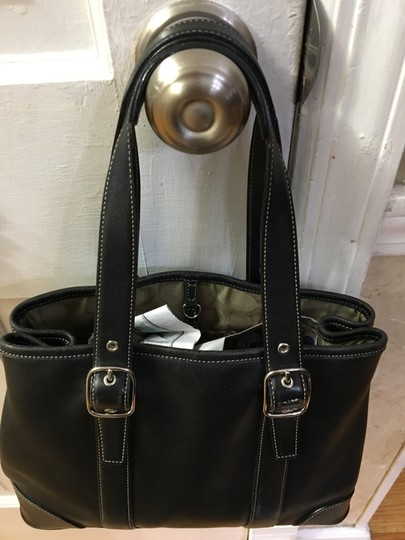 Coach Zipper Closure Inside Pocket Signature Lining Adjustable Straps Satchel in Black Image 5