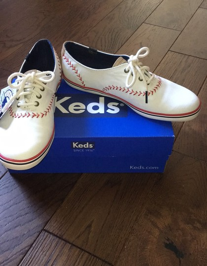 Keds white with red stitching Athletic Image 4
