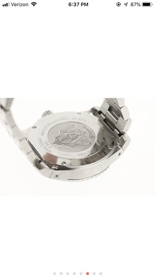 Gucci Silver Divers Watch Image 2