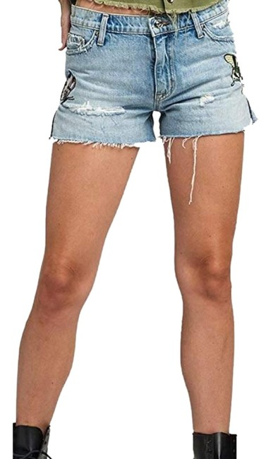 Preload https://img-static.tradesy.com/item/25815554/hudson-light-wash-sade-shorts-size-0-xs-25-0-1-650-650.jpg