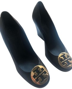 82dc3e42573 Tory Burch Wedges on Sale - Up to 70% off at Tradesy