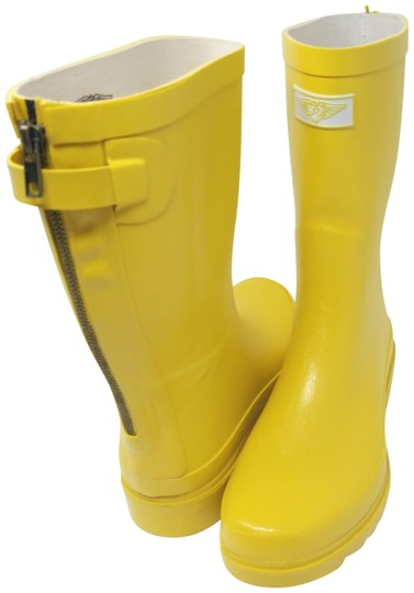 Preload https://img-static.tradesy.com/item/25815569/forever-young-yellow-rb-5514-women-s-mid-calf-rubber-zipper-bootsbooties-size-us-11-regular-m-b-0-1-540-540.jpg