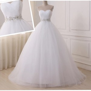 White Or Ivory Sweetheart Gowns 2-26w Standard Or Plus Formal Wedding Dress Size OS (one size)