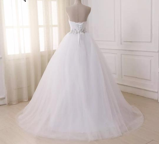 White Or Ivory Sweetheart Gowns 2-26w Standard Or Plus Formal Wedding Dress Size OS (one size) Image 2