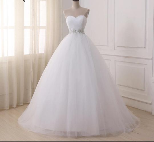 White Or Ivory Sweetheart Gowns 2-26w Standard Or Plus Formal Wedding Dress Size OS (one size) Image 3