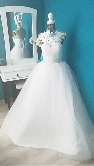 White Or Ivory Sweetheart Gowns 2-26w Standard Or Plus Formal Wedding Dress Size OS (one size) Image 4