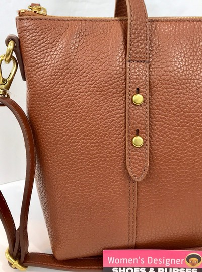 Fossil Tote in brown Image 5