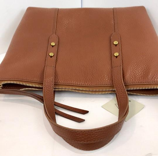 Fossil Tote in brown Image 8