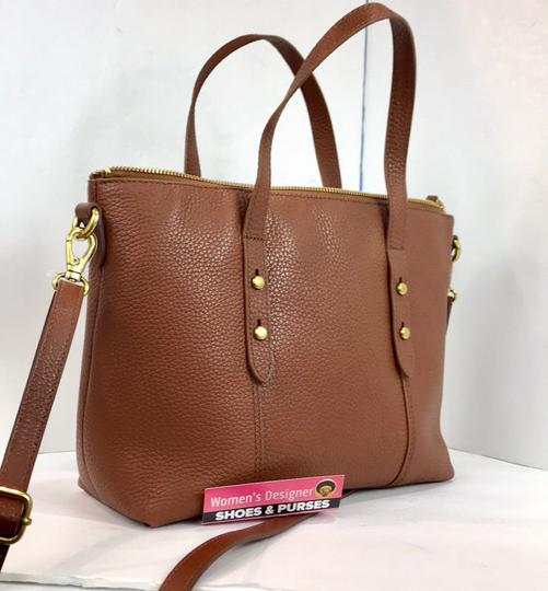 Fossil Tote in brown Image 9