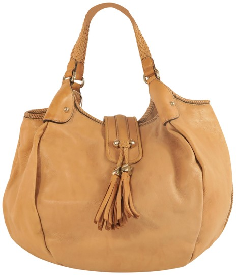 Preload https://img-static.tradesy.com/item/25816379/gucci-tassel-lightbrown-calfskin-tote-0-1-540-540.jpg