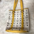 MCM Tote in yellow, white with gold hardware Image 4