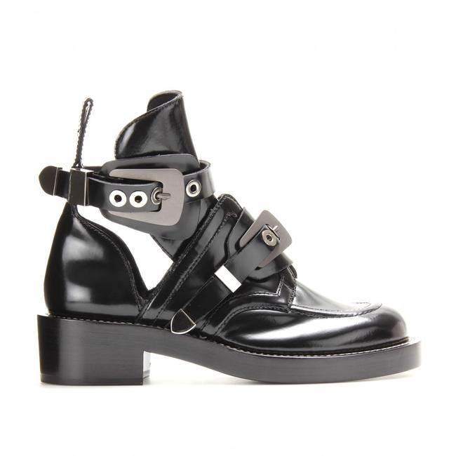 Item - Black Ceinture Leather Metal Buckle Cut Out Short Ankle Combat Boots/Booties Size EU 35 (Approx. US 5) Regular (M, B)