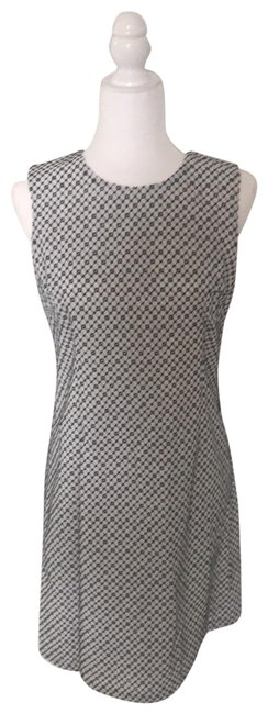 Preload https://img-static.tradesy.com/item/25819319/blank-and-white-mid-length-cocktail-dress-size-6-s-0-1-650-650.jpg