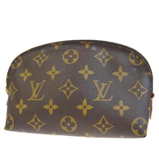 Preload https://img-static.tradesy.com/item/25819406/louis-vuitton-cosmetic-pouch-brown-monogram-goat-leather-clutch-0-0-540-540.jpg