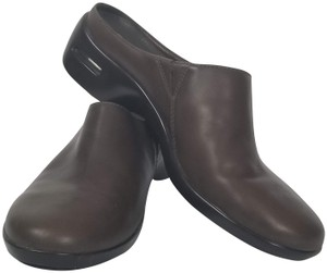 d2129c6db25 Cole Haan Mules & Clogs Up to 90% off at Tradesy
