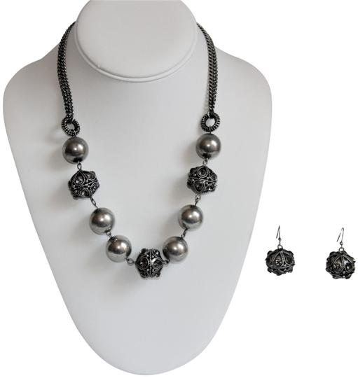 Preload https://img-static.tradesy.com/item/25819600/silver-bali-ornate-patinaed-pewter-earrings-and-necklace-0-1-540-540.jpg