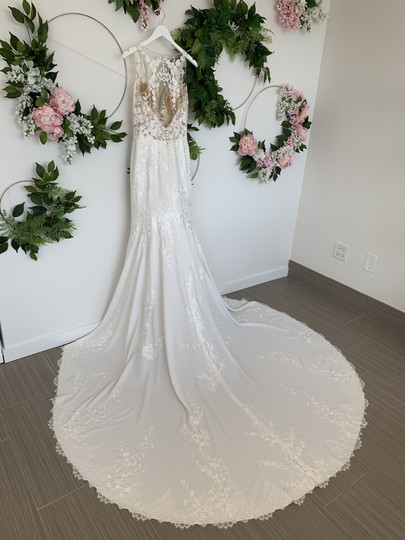 Pronovias Off White Crepe Lace and Tulle Alcyone Sexy Wedding Dress Size 8 (M) Image 3