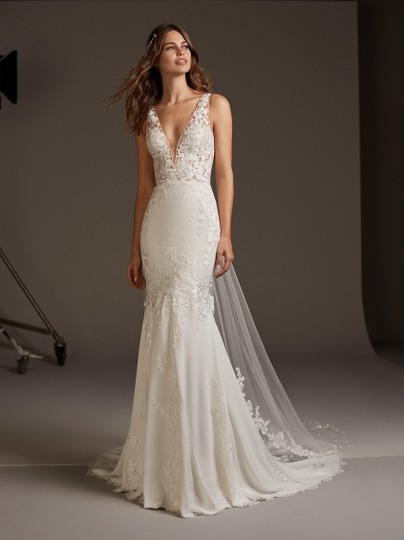 Pronovias Off White Crepe Lace and Tulle Alcyone Sexy Wedding Dress Size 8 (M) Image 8