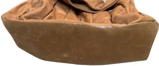 Preload https://img-static.tradesy.com/item/25820034/donald-j-pliner-pleated-tan-leather-hobo-bag-0-1-540-540.jpg