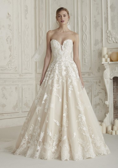 Preload https://img-static.tradesy.com/item/25820133/elcira-vintage-wedding-dress-size-8-m-0-0-540-540.jpg