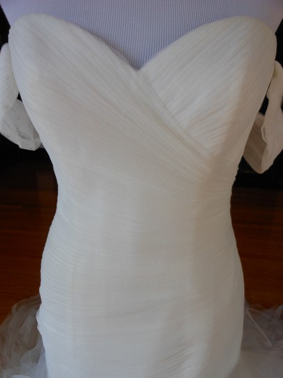Pronovias Ivory Profeta Destination Wedding Dress Size 10 (M) Image 5