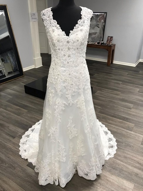 Mori Lee Ivory Lace Traditional Wedding Dress Size 12 (L) Mori Lee Ivory Lace Traditional Wedding Dress Size 12 (L) Image 1